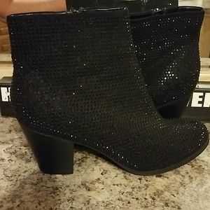 ROCK &REPUBLIC STUDDED BOOTS